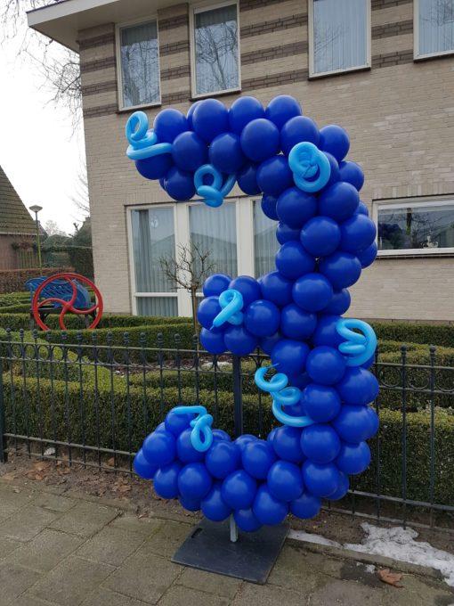 ballonnen cijfer 3 op frame