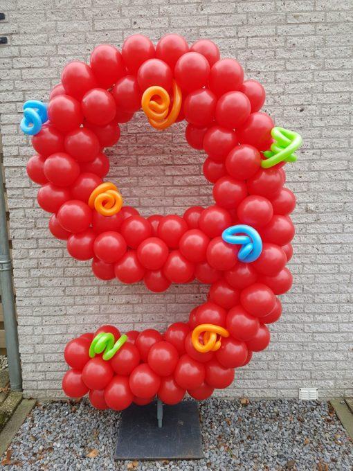 ballonnen cijfer 9 op frame